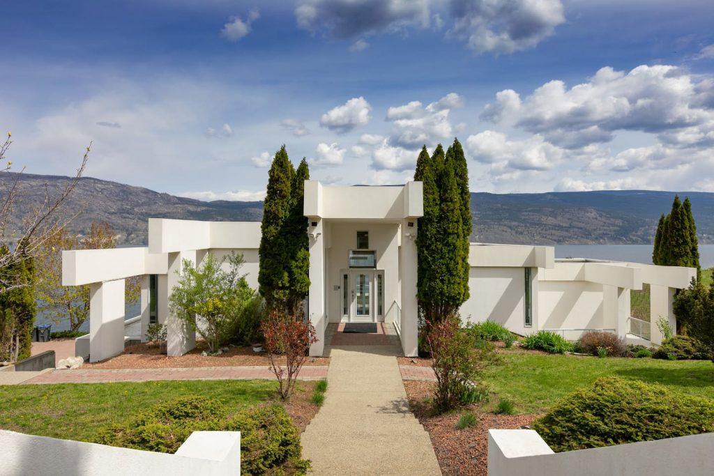 Oak Estate Winery Mansion